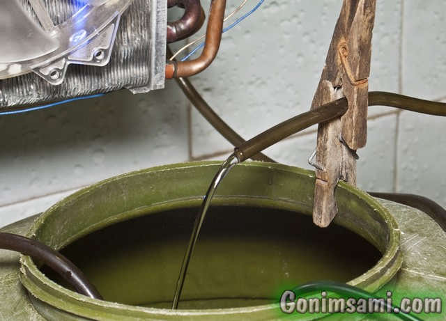 Возврат воды, прошедшей через радиатор обратно в ёмкость.