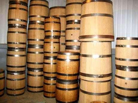 Продажа дубовых бочек для выдерки дистиллятов с доставкой по всей Украине