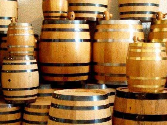 бочки дубовые для выдержки коньяка и вина