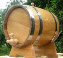 Бочки и бочонки дубовые для вина и коньяка.