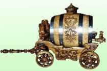 Дубовый бочонок подарочный, на деревянной карете. Купитьс доставкой в любой крупный город России, Украины, Беларусии.